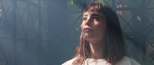 ALFONSINA lanza su nuevo single y video, NO TE VOY A OLVIDAR